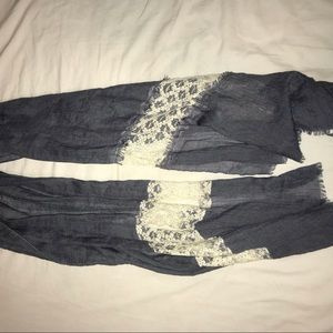 Accessories - Lace and blue scarf